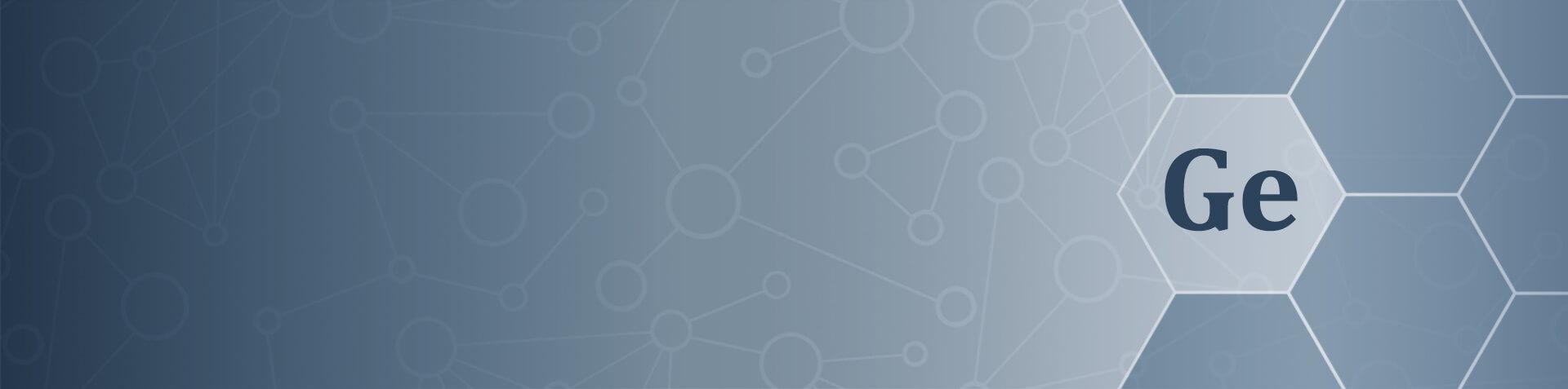 Weiße Hexagons vor blauem Grund, in einem Hexagon ist das Germanium Elemente Symbol zu sehen.